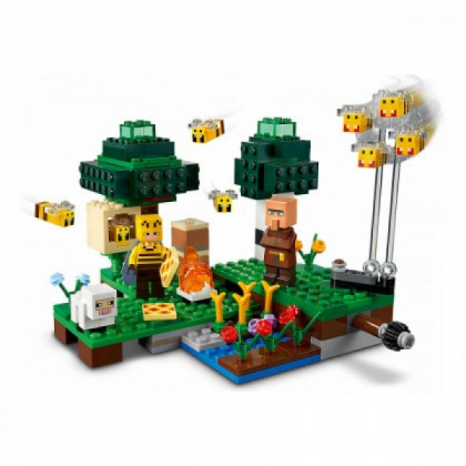 LEGO 21165 The Bee Farm